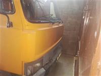 Shitet kamioni iveko