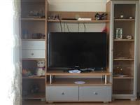 Vitrina per TV, tavolina dhe shporet elektrik