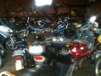 Motocikleta skuter pjes dhe bej riparimin e