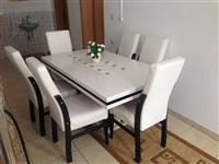 Tavoline e bukes
