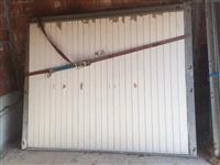 Shiten dyer per garazha te ardhura nga Zvicrra