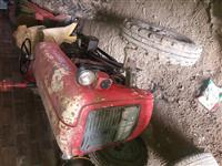 Shitet traktor IMT33