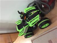 Motor me 4 rrota per femije.