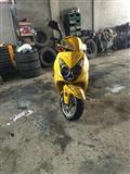 Shes Skuterin 150 cc