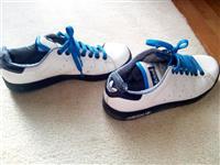 Adidas ( Stan smith)