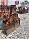 Sajle e druve qe montohet be traktor