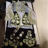 Shes veshjet tradicionale