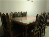 Tavolina me 6 karriga