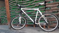 Bicikleta Genesis