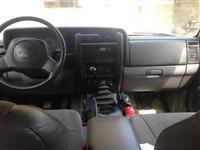 shitet makina jeep