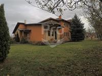 Shtëpi 400m2 me qira në Emshir - Kalabri.