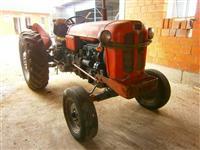 Shes traktorin IMT 558