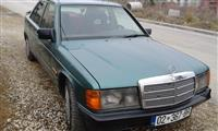 Shes veturen Mercedes 190