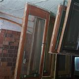 Der dhe dritare nga druri