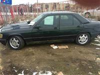 Shes veturen Mercedes 190