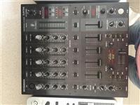 Pioneer DJM 800MK2 Behringer DJM 750