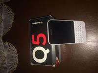 blackberry Q5- 8 GB