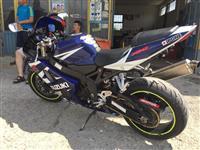 SUZUKI GSXR 750 K4