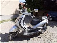 Shes Piaggio Beverly 250cc