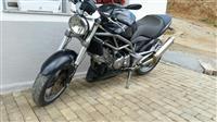 Motorr Cagiva 650 cc 2006