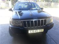Shes veturen jeep
