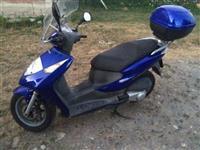 Shes skutor Honda 125cc i ardhur nga Zvicrra
