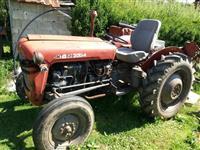 Traktori imt 39, me paisje