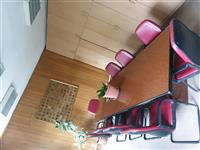Zyre me qira 200 ose 350m² ne sheshin Nena Tereze