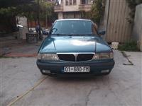 Shes veturen Lancia Dedra