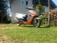 Shes skuterin mondial 150cc