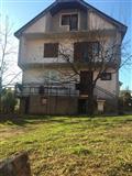 Shitet shtepia ne Kamenic