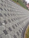 Rregullimi i oborreve  me kubza te betonit.