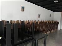 Shiten tavolina dhe karrika