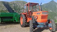 Shes traktorin Fiat bashke me Presen