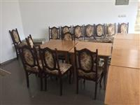 Shiten tavolinat me karrige