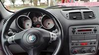 Alfa Romeo 147 benzin