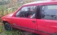 She pjes Opel Corsa