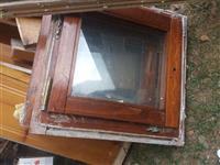 Dyer dhe dritare ye perdorura