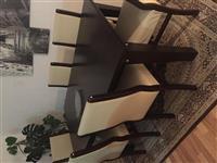 Tavoline me 6 karriga ne gjendje te mir
