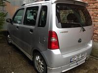 Shes veturën Suzuki Wagon R+ Special