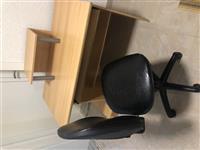 Tavolin dhe karrige per kompjuter