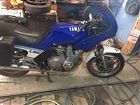 Shitet Yamaha 900 cc ne gjendje te rregullt