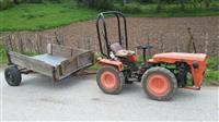 Shes traktorin...