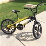 Shite Bicikleta BMX