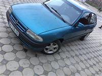 Opel Astra benzin