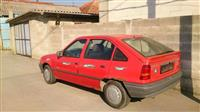 Shitet vetura Opel Kadett 1.3
