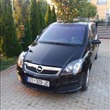 Shes veturen Opel Zafira 1.9 CDTI disel