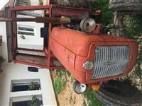 Traktori me paisje percjellese