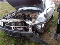 Audi 80 e aksidentuar