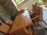 Shiten tavolina dhe karrikat 100€